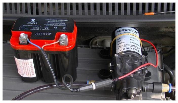 为何汽车换机油后出现加速乏力噪音变大?老司机:三个原因造成的