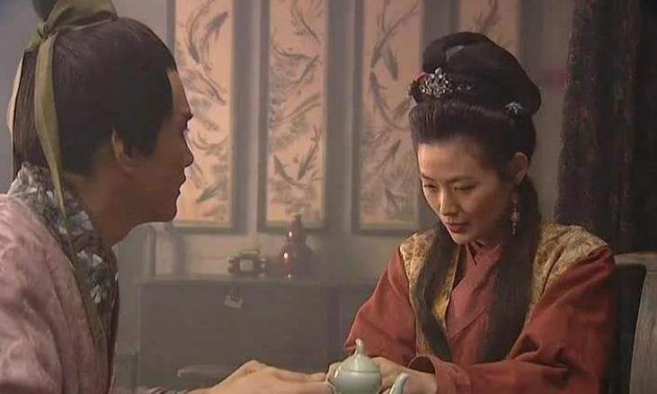 古代女人出轨,男人为何被说成戴绿帽子!网友:隔壁老王有话说!