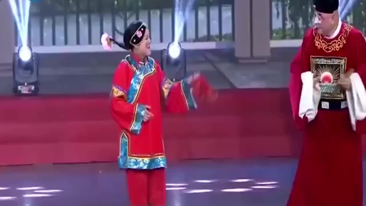 梨园春:这段表演很精彩,张晓英唱的真好
