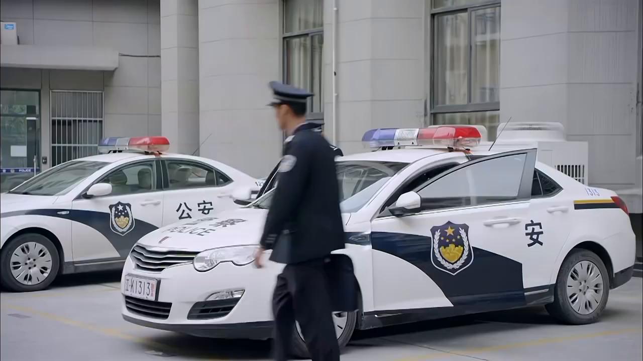 江城警事:杨先告诉王欣伟线索,没想到王欣伟的反应,杨先气疯了