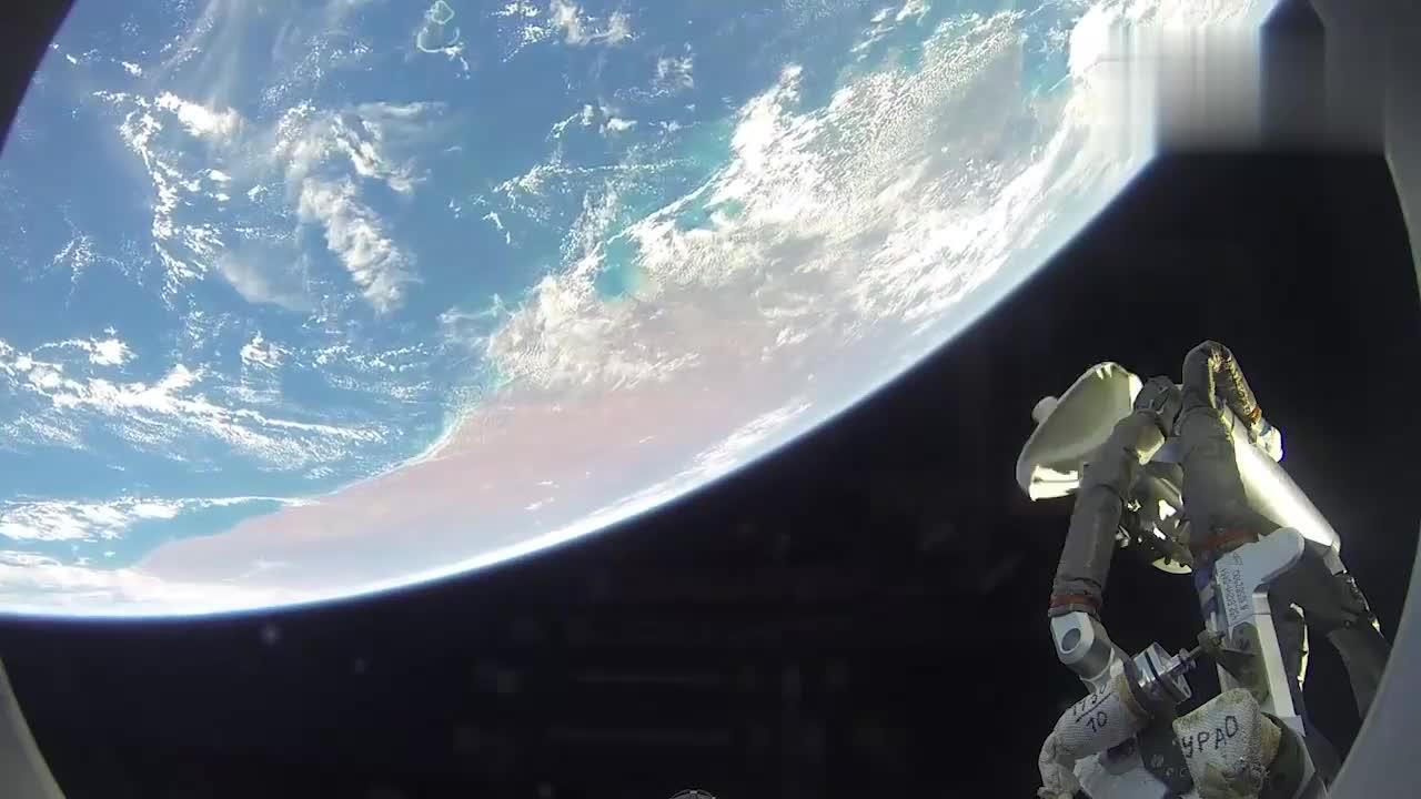 联盟号飞船与国际空间站对接影像