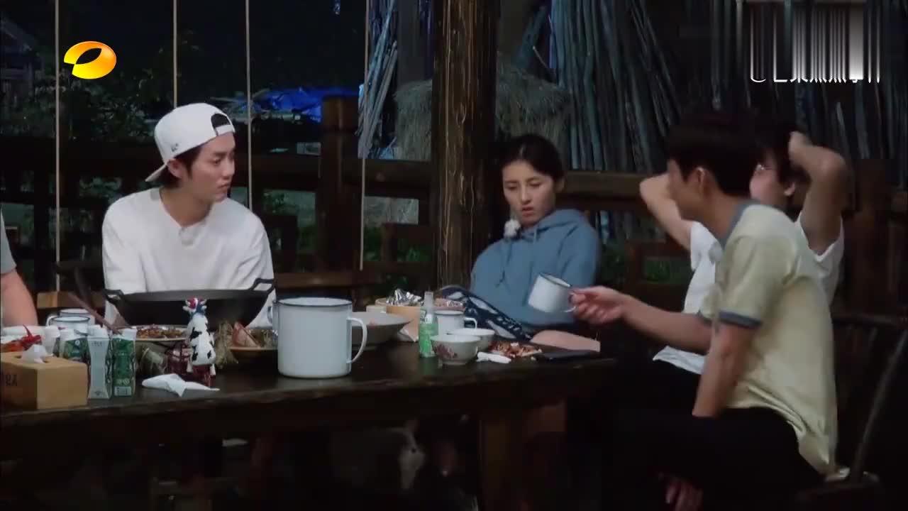 张子枫彭昱畅聊拍戏,妹妹一句时间久了有瓶颈,鹿晗和导演都惊了