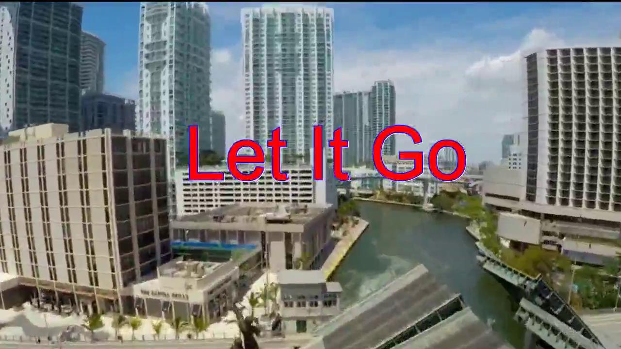 分享一首《Let It Go》,唱的太投入,让人赞叹不已