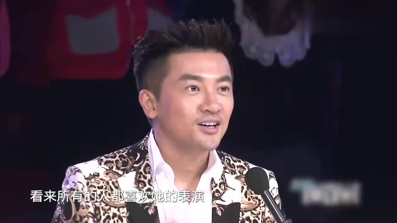 """中国达人秀:""""香港阿黛尔""""坚持街头卖唱,为母爱折服!"""