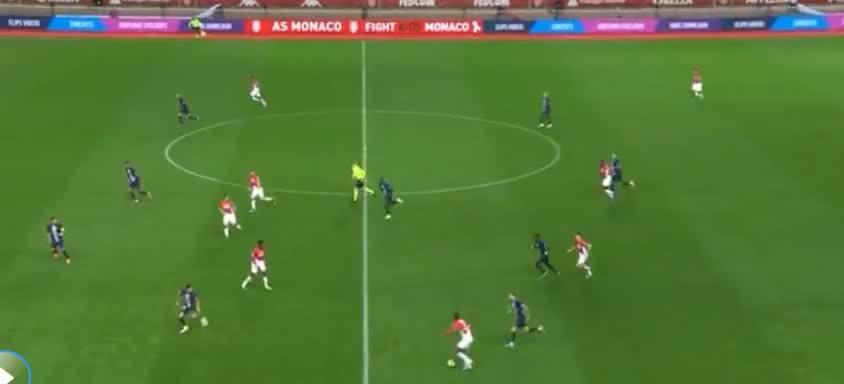 摩纳哥分球打穿巴黎防线,热尔松劲射,偏出了
