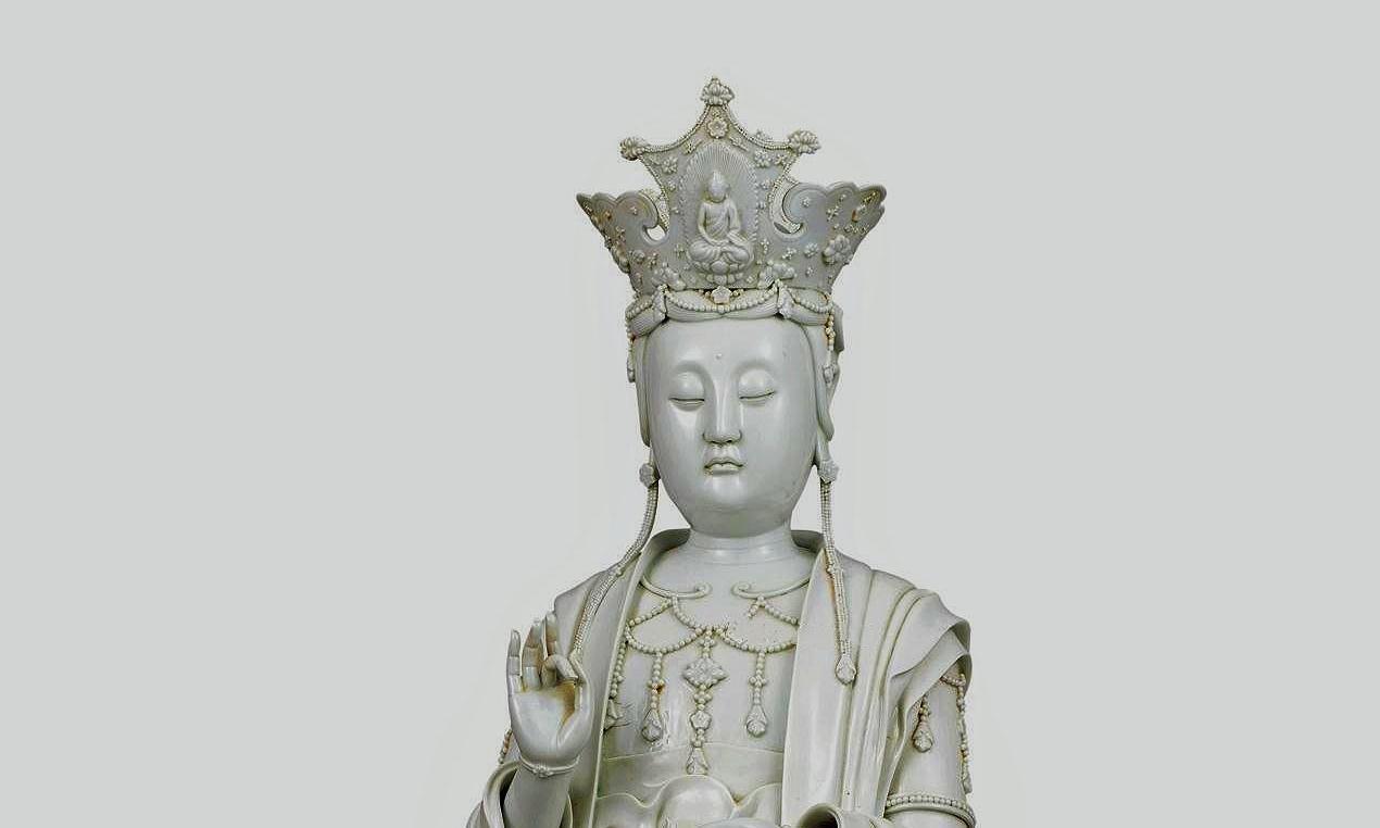 """清代福建德化窑白瓷之精品:""""许云麟制""""款德化白瓷观音立像"""