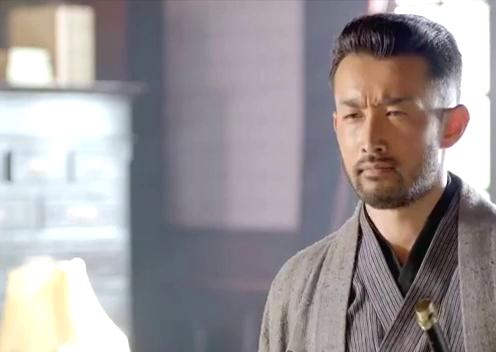 石黑希望得到中田的帮助,可是中田一心喜欢刀,喜欢以刀会有!