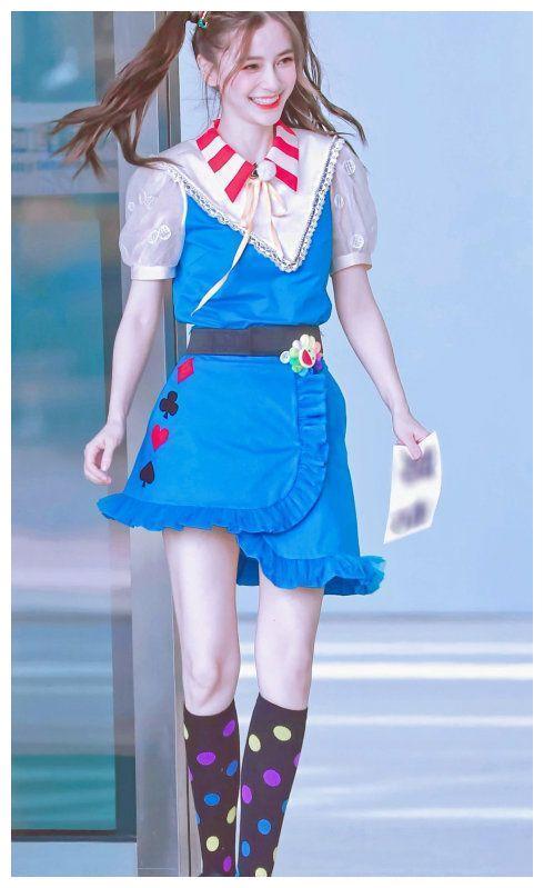 baby杨颖《奔跑吧》路透曝光,背带裙双马尾出镜,化身美少女战士