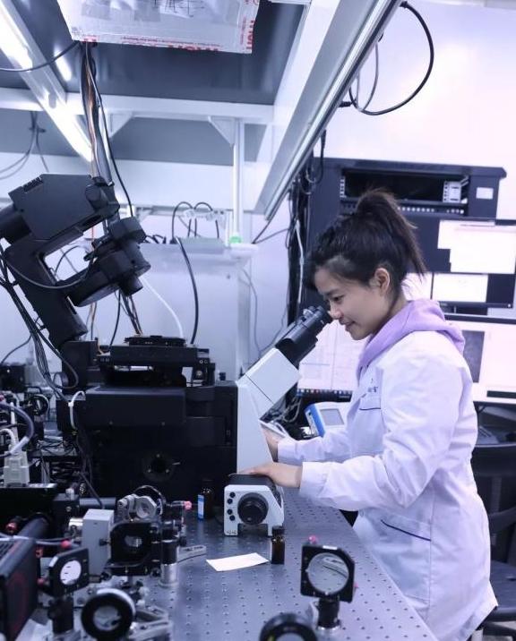 国科大女博士科研成果登上中国十大科学进展榜,哭着完成小鼠实验