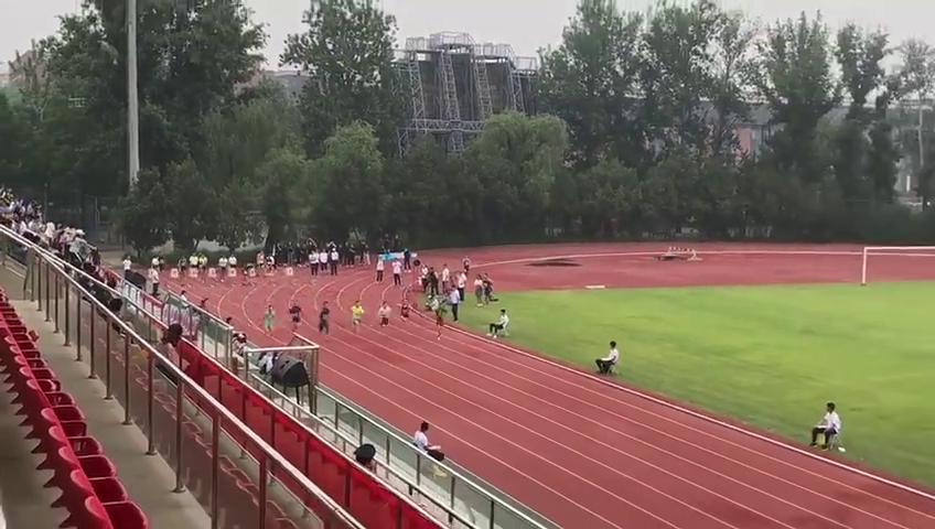 北京体育大学校运会100米吴志强一马当先田径体育生