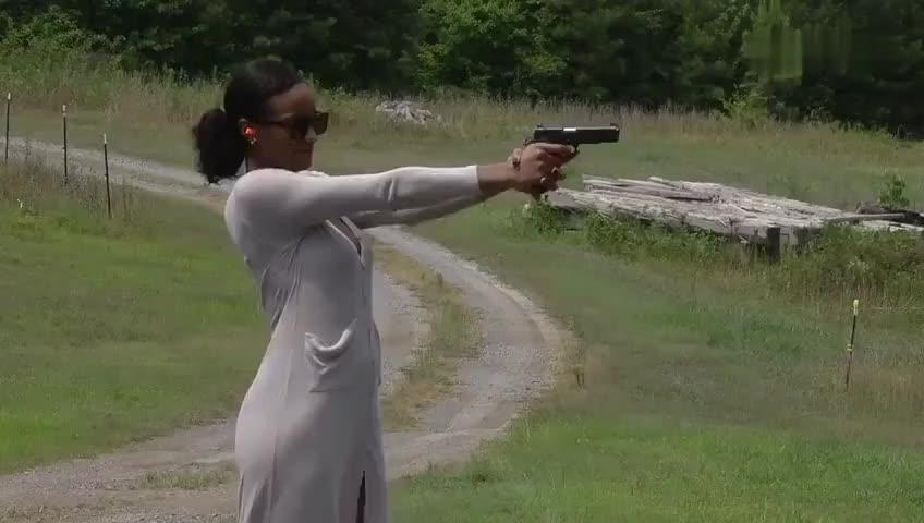 女汉子实弹射击:kimber定制版1911手枪