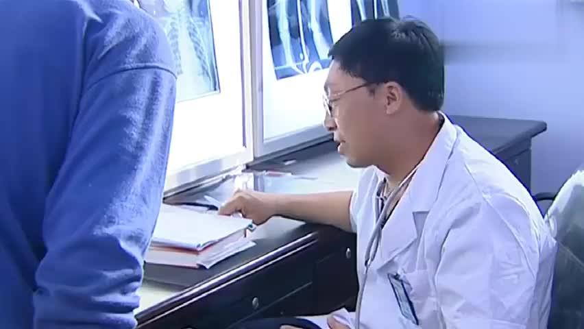 救护车一路鸣笛送玉田回村,刘能感觉不对劲:玉田完了!