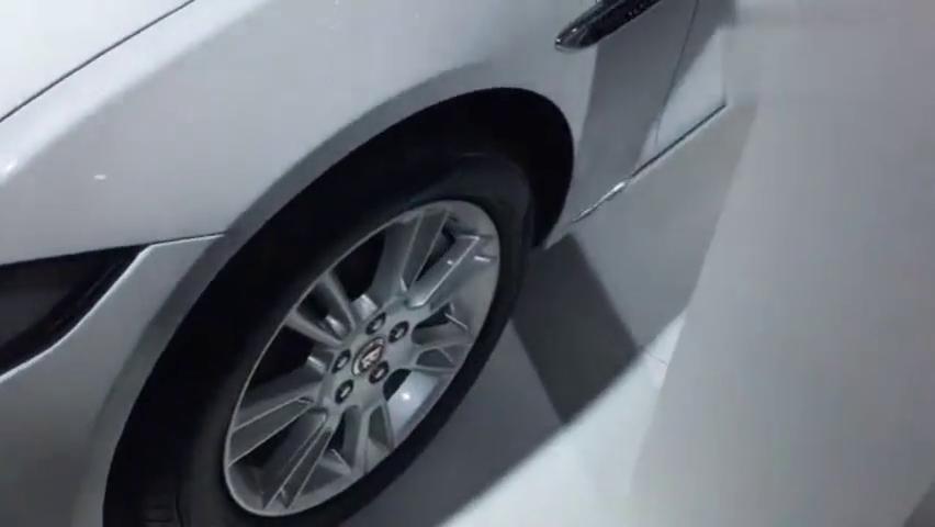 现场直击:高配2.0T8AT豪车,全新捷豹XEL,外观更拉风