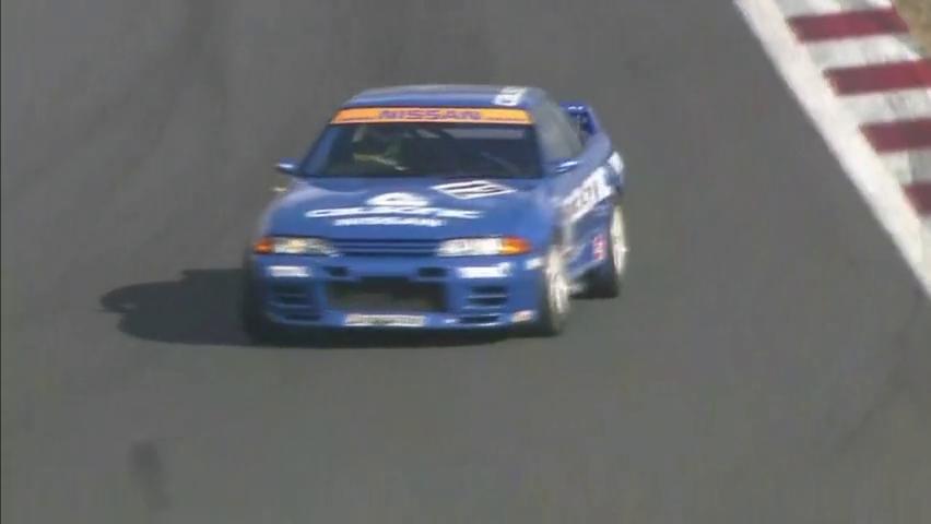 经典日产GT-RR32Calsonic涂装赛车车内视角