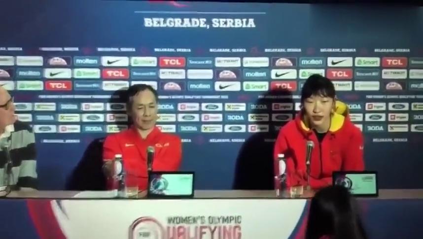 女篮奥预赛开门红,韩旭赛后全程英语谈比赛,听听说的如何?