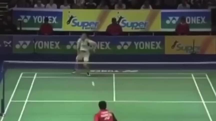 羽毛球:李宗伟和陶菲克都使出浑身解数 最后依靠的却是这一击