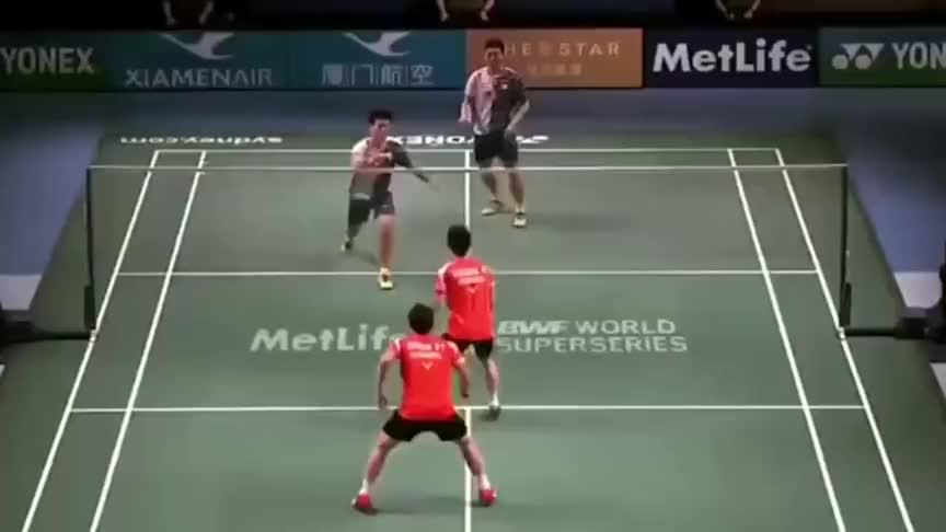 羽毛球:当郑思维在男双赛场遇到小黄人