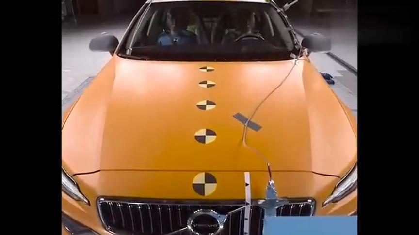 视频:全新沃尔沃V60正面碰撞试验告诉我们安全带的重要性