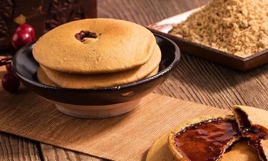 潮汕红糖肚脐饼,第一口嘎嘣脆,第二口爆浆红糖流心,好吃还养胃