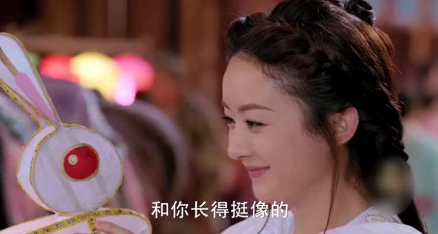 宇文玥送楚乔兔子灯,让她别走丢,楚乔乖乖牵衣角的样子甜爆了