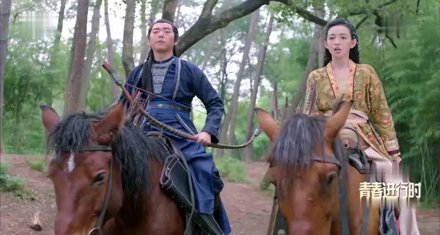 楚乔偶遇跋扈郡主,以为她是奴婢不会骑马,不料下一秒就呆了