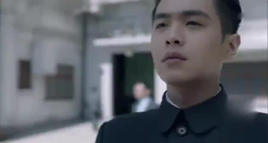 陈山事先就站在外面,看着忙碌的男子,知道事情成功了
