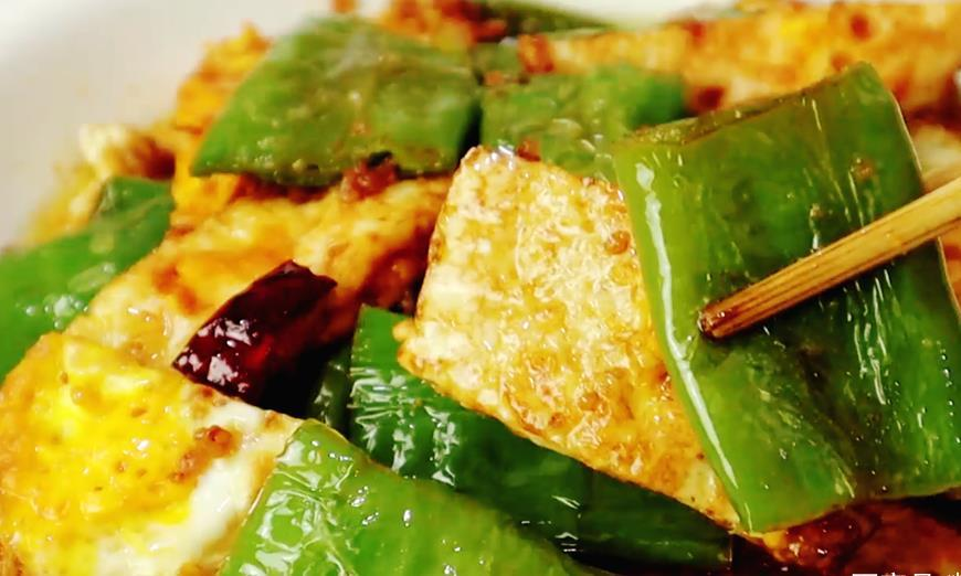 不想吃饭试试这道菜,做法简单,擀面杖一压,香辣开胃,比吃肉香