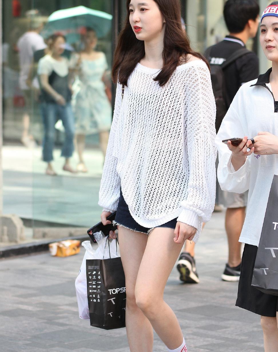 时尚镂空圆领露肩性感宽松白T恤