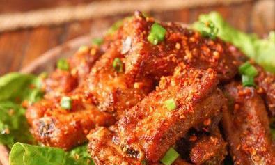 家常菜:椒盐蒜香骨、香辣蒜香虾、香菇炖豆腐