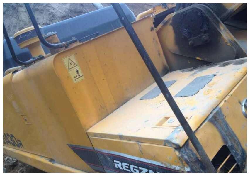 挖机焊接有风险 稍有不慎电脑板烧毁