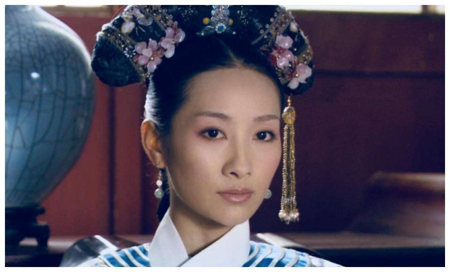甄嬛传:安陵容为得宠在冰上跳舞,谁看见叶澜依的表情了?真解恨