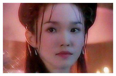 小龙女和杨过老了!范文芳结婚纪念晒照,脸越来越怪,老公更显老