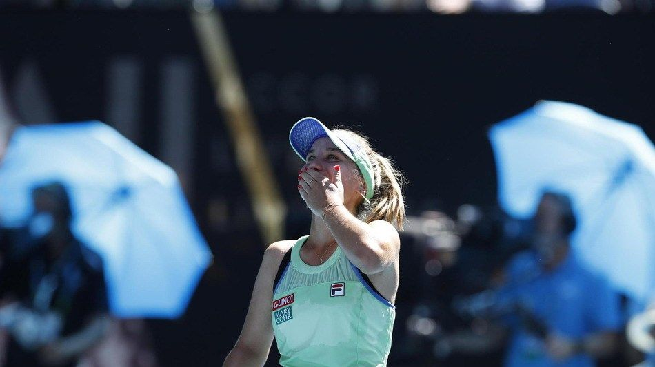 肯宁2比0横扫赛会头号种子晋级澳网女单决赛,小莎拉波娃霸气庆祝