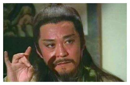 岳不群太阴险,《笑傲江湖》中岳不群练了辟邪剑法也打不过左冷禅