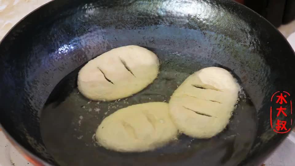 黄豆别只做豆浆,教你1个新吃法,比吃肉还香,孩子抢着吃!