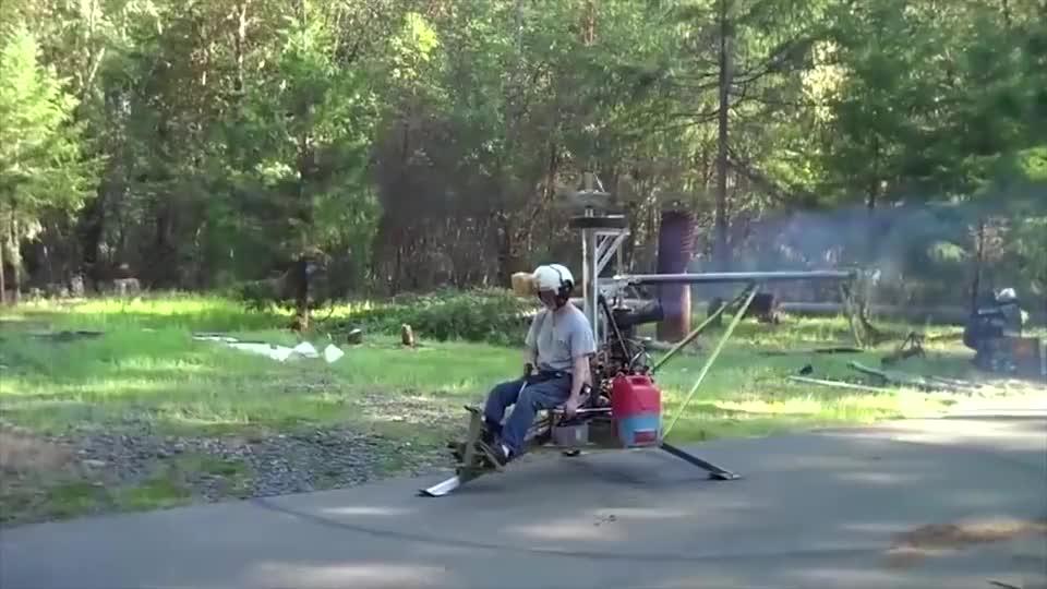 广西小伙耗时一个月自制直升机试飞成功, 简直人才