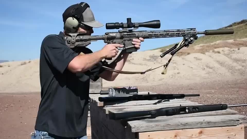 多款狙击步枪配备消音器射击前后差距挺大 效果不错