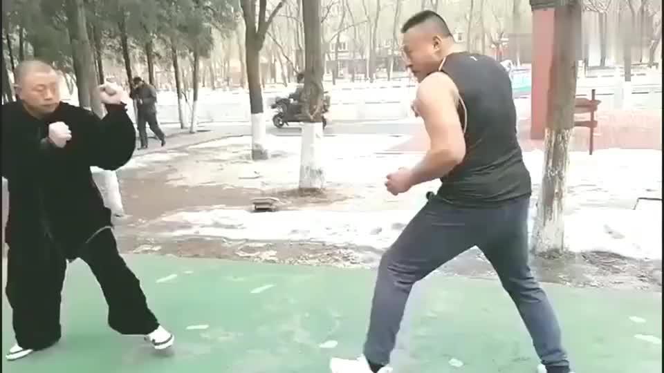 """民间武术高手的""""翻子拳""""!打得散打高手满是无奈!"""