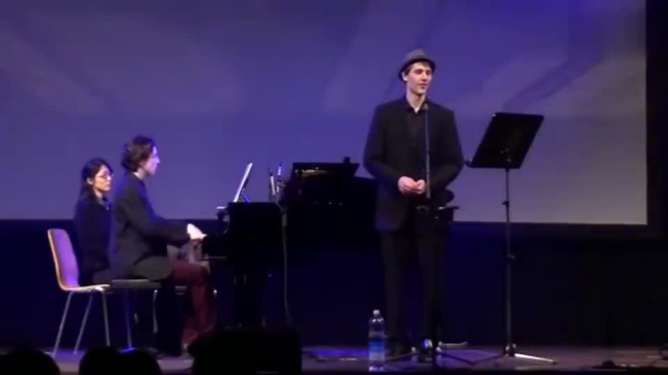 外国小伙用德语和日语双语演唱《永远同在》,好听