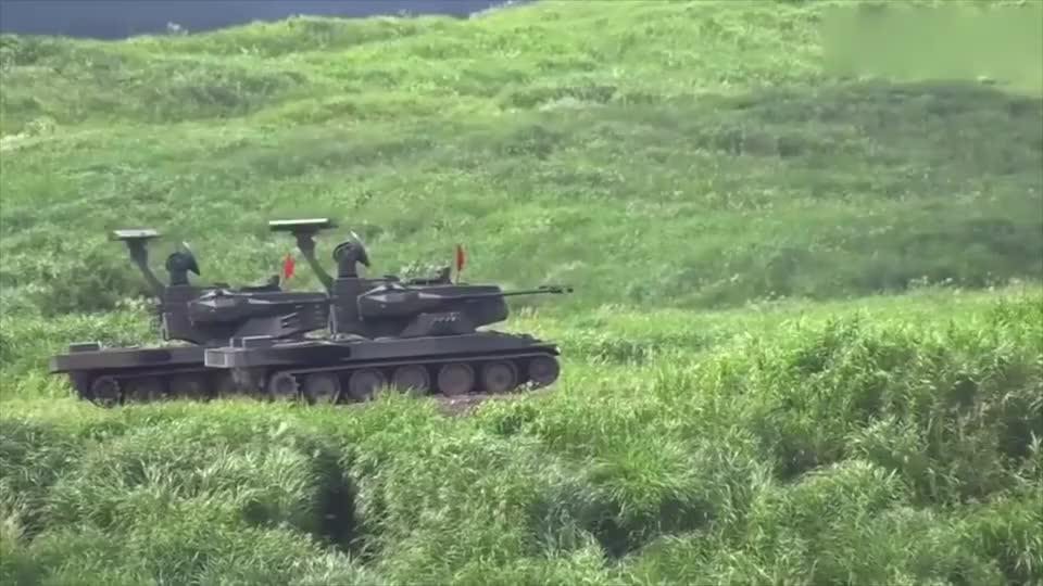 实拍日本坦克对空机关炮,机动性杠杠的厉害