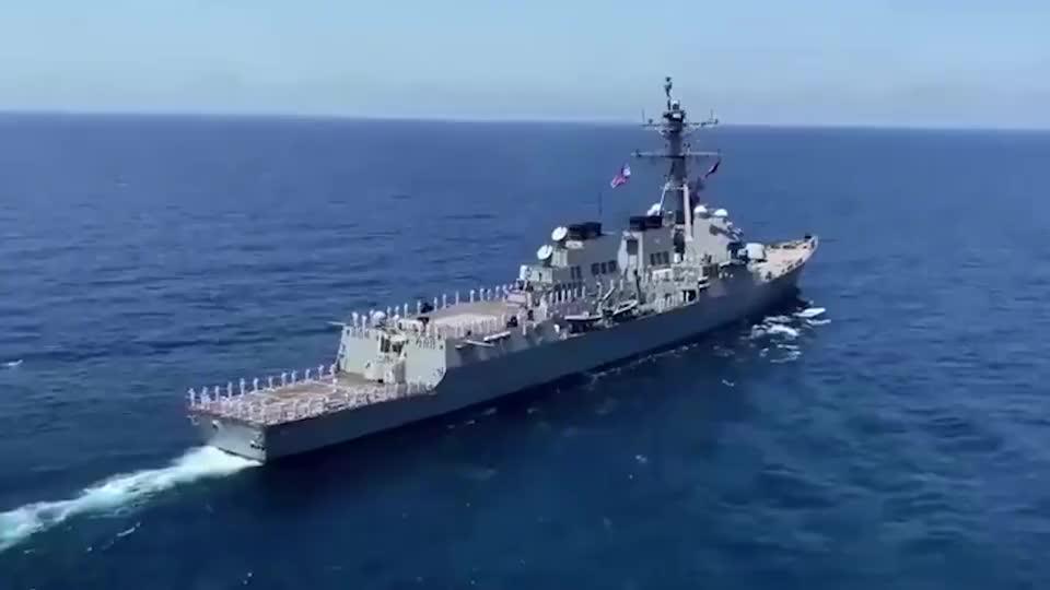 阿利·伯克级宙斯盾驱逐舰,62口径炮实弹训练,