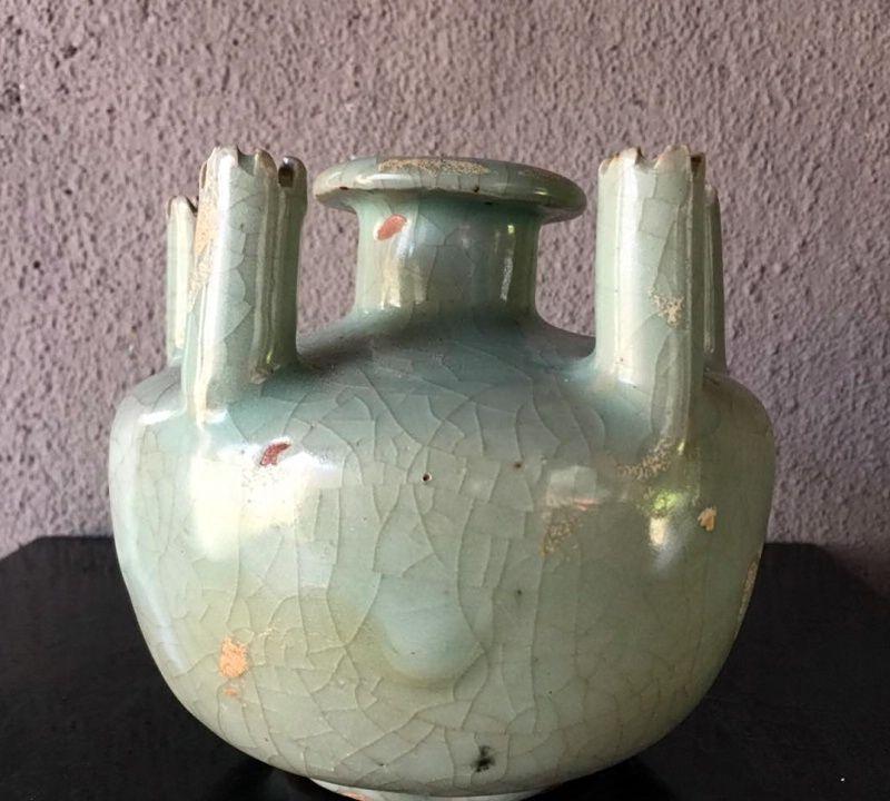 南宋官窑的新发现!神秘莫测的龙泉黑胎青瓷,是官是民?还是魂瓶