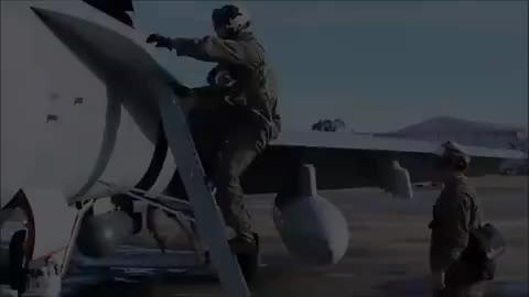 它是多用途战机,美海军全天候多功能舰载机,F-18大黄蜂