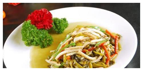 日食三餐:酸菜鱿鱼,红烧肉,川味小炒肉,爆炒小鱼干的做法