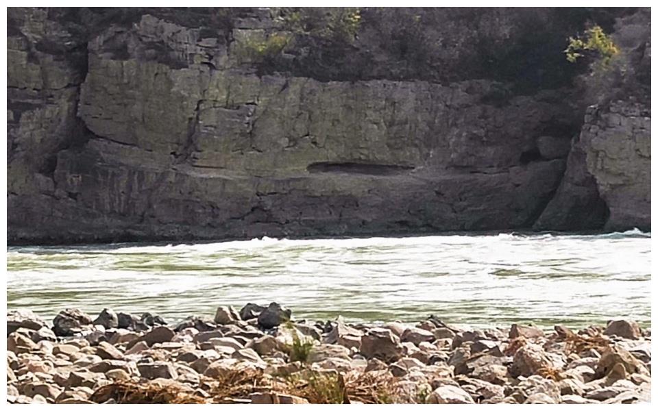 悬崖绝壁上的千年黄河古栈道,三门峡谷独有,看是啥样子