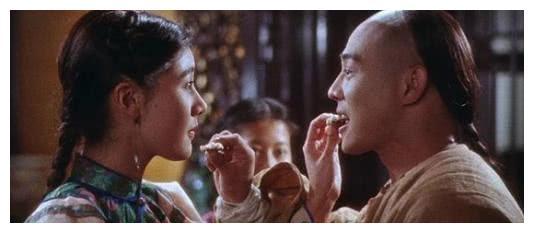"""李连杰简直是导演的""""噩梦"""",拍吻戏脸红,不敢碰李嘉欣"""