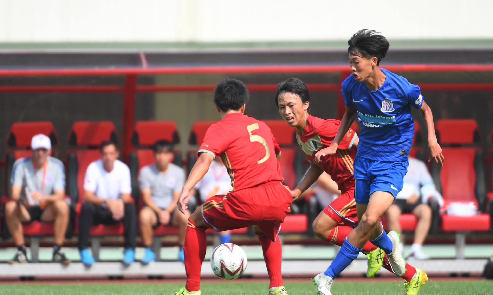 足球——中日韩青少年运动会:中国队胜日本队