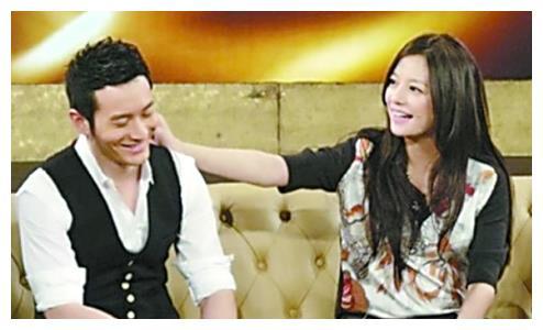 瞒不住了,赵薇坦言:我喜欢过黄晓明!网友:那为何不嫁给他?