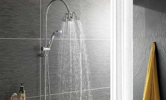 越来越多家庭不装挂墙花洒,现在都流行装这种,洗澡舒服又很方便