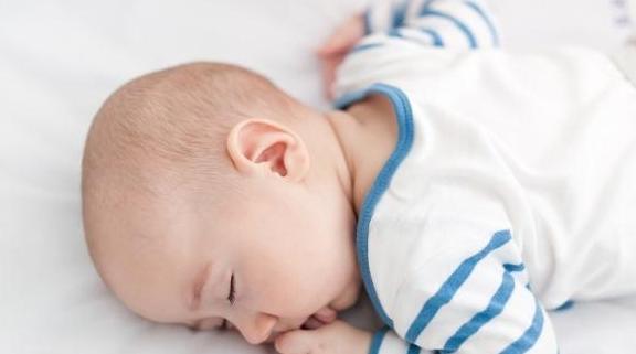 """0~3个月低月龄宝贝,怎样自主入睡呢?这个""""4S哄睡法""""早知早好"""